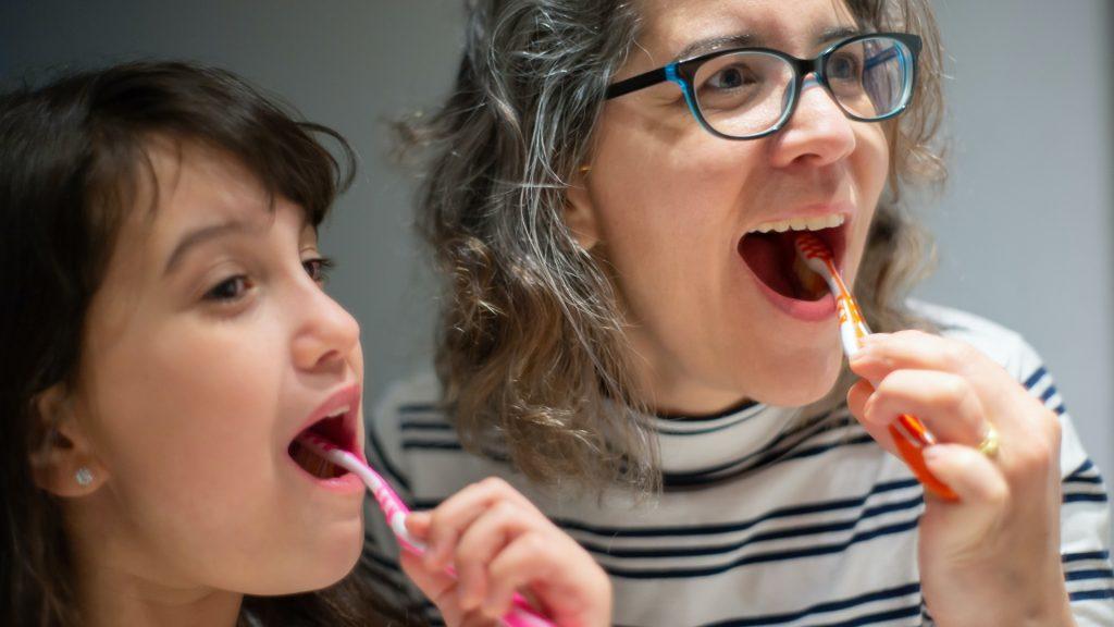 Organska pasta za zube za decu.